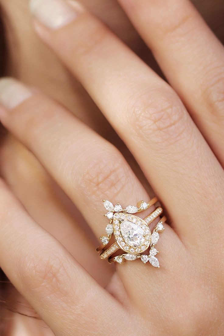Vintage pear engagement ring, Engagement ring