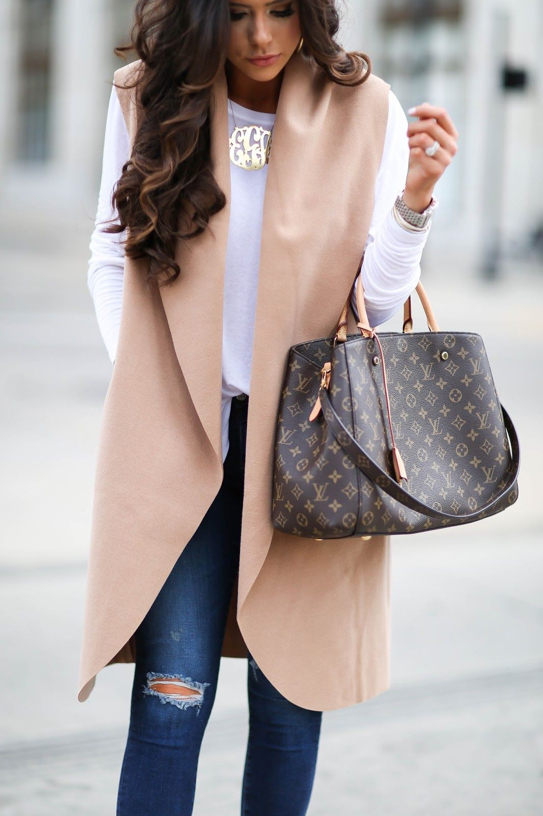 Louis vuitton montaigne outfit