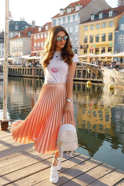 T shirt with pleated skirt