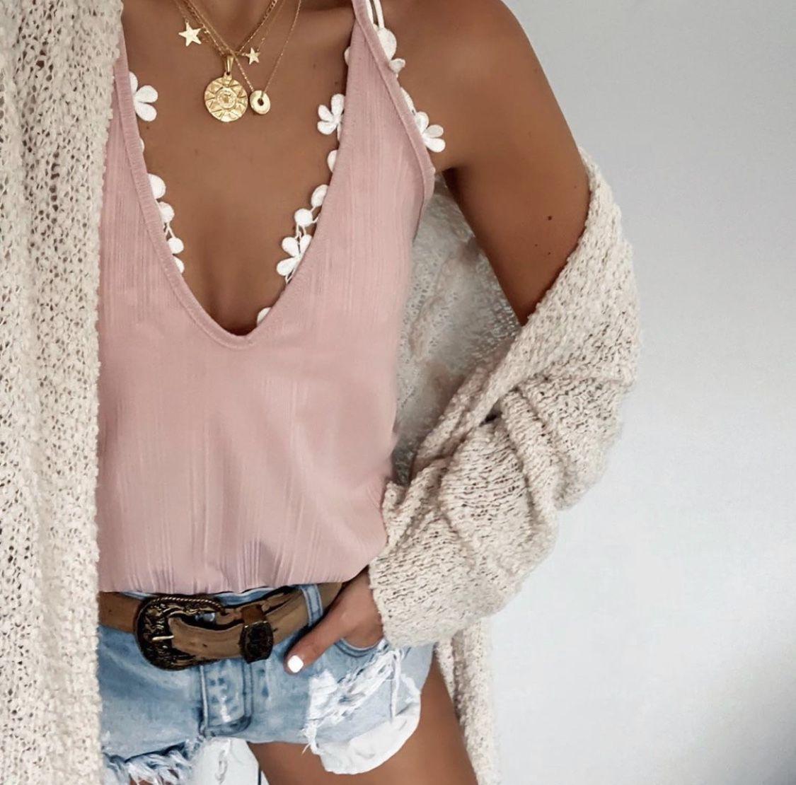 Cute Spring Outfits For School Girls, Sleeveless shirt, Wanderlust + Co