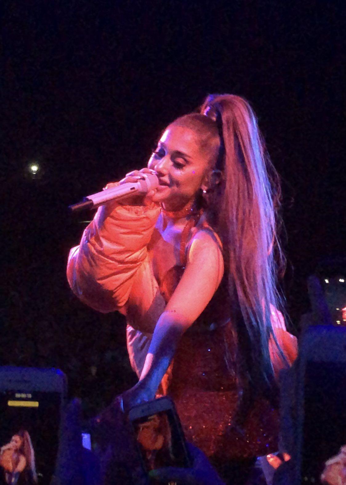 Cute Ariana Grande's Outfits, Ariana Grande, Rock concert