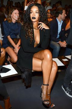Rihanna milan fashion week