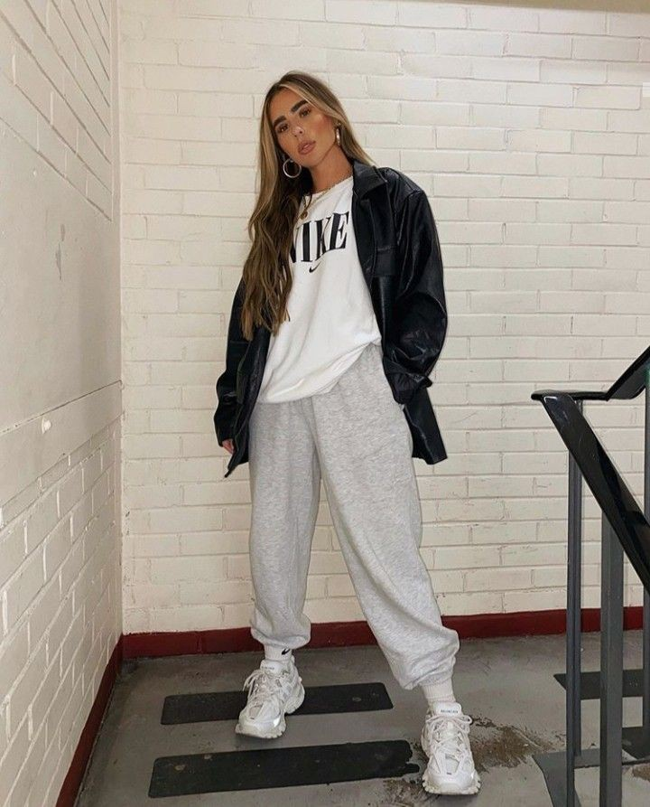 Winters Baddie Outfits With Sweatpants