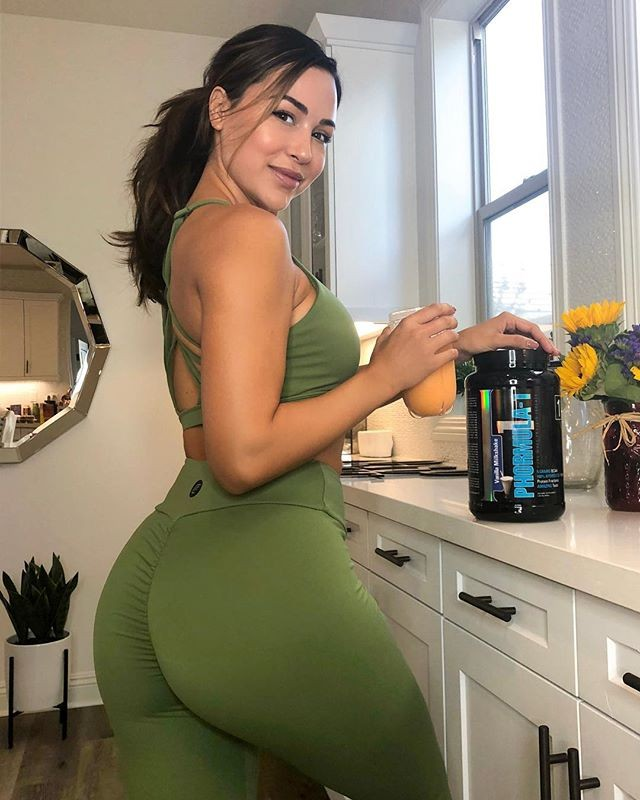 Great suggestion for party ana cheri pant