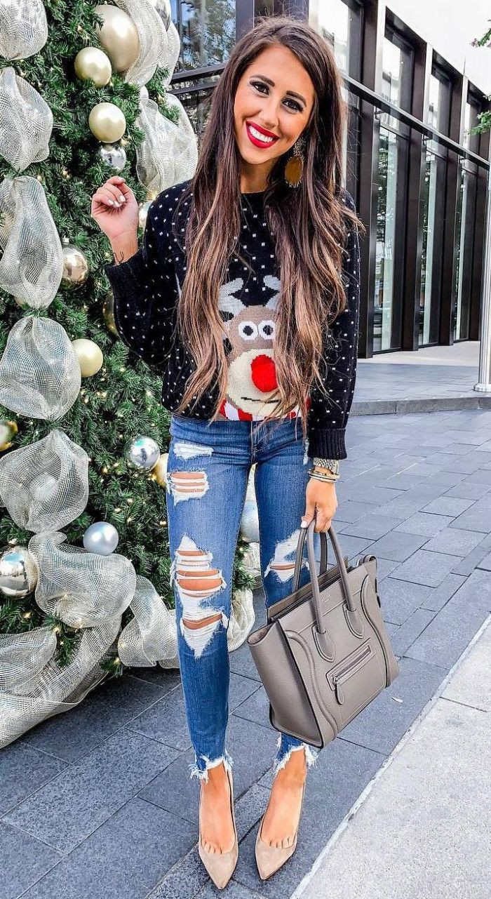 Outfit Ideas With Sweaters, Christmas jumper, Ripped jeans
