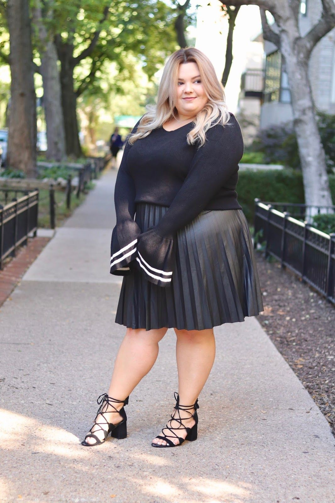 Plus Size Faux Leather Pleated Skirt