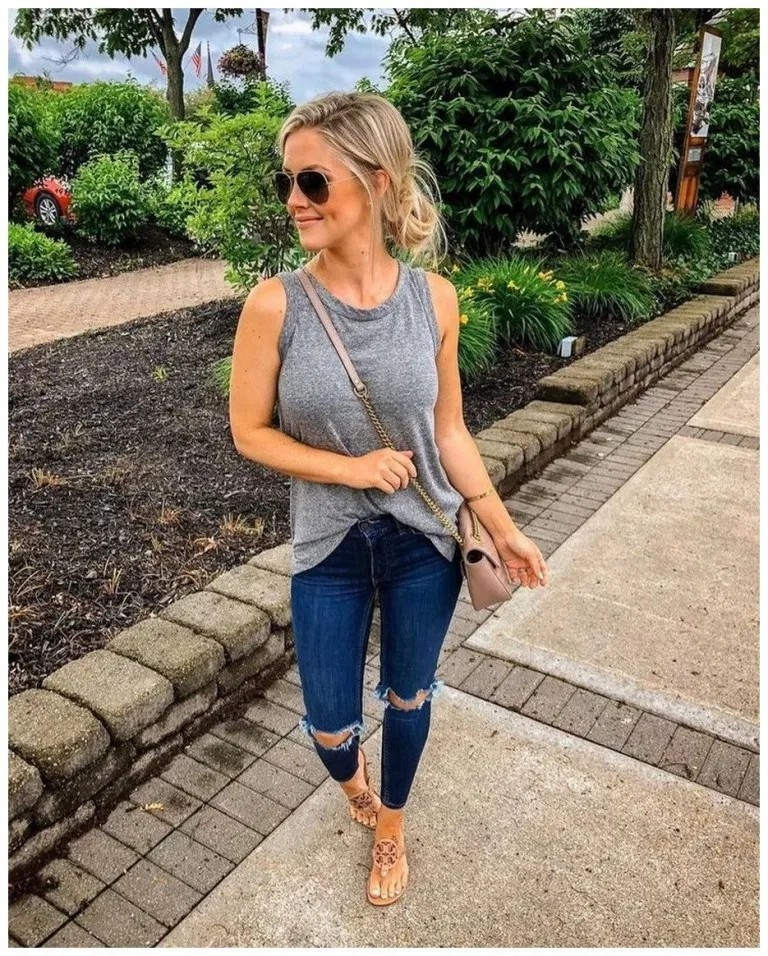 Fashionable Spring Outfit Ideas For 2020, The Fashion Bomb, Casual wear