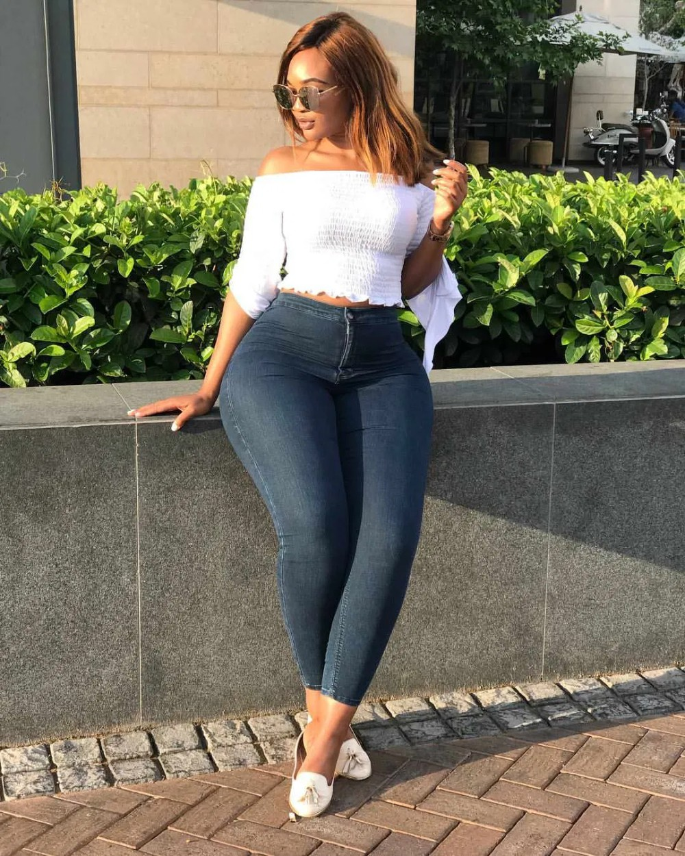 Casual Black Girls In Tight Jeans