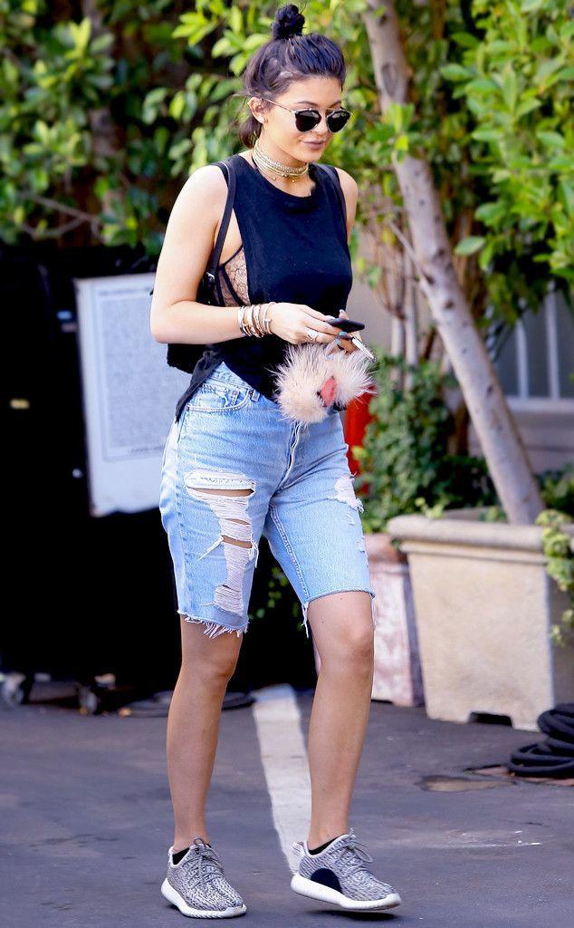 Kylie jenner long shorts, Bermuda shorts