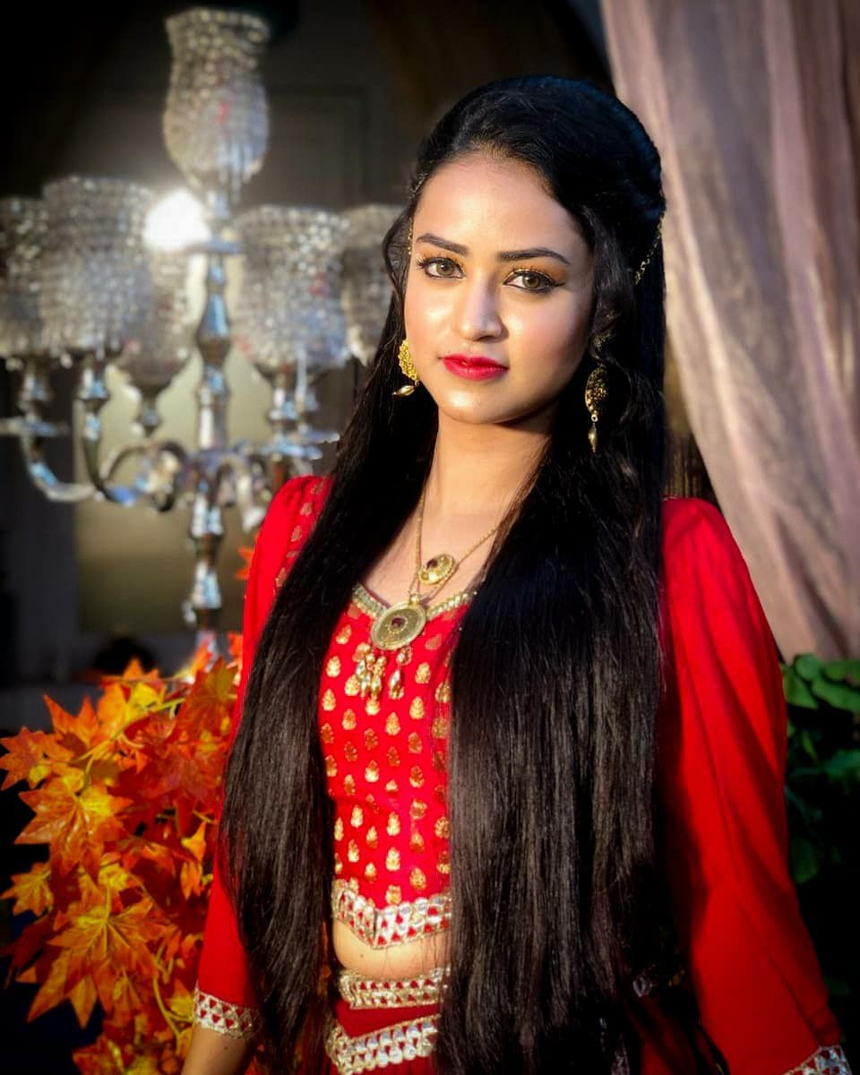 Super Trendy Chic piddi in aladdin, Avneet Kaur