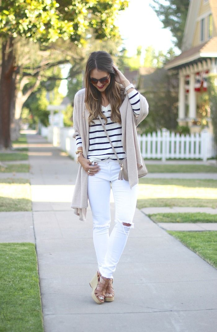 Summer White Ripped Jeans Outfit
