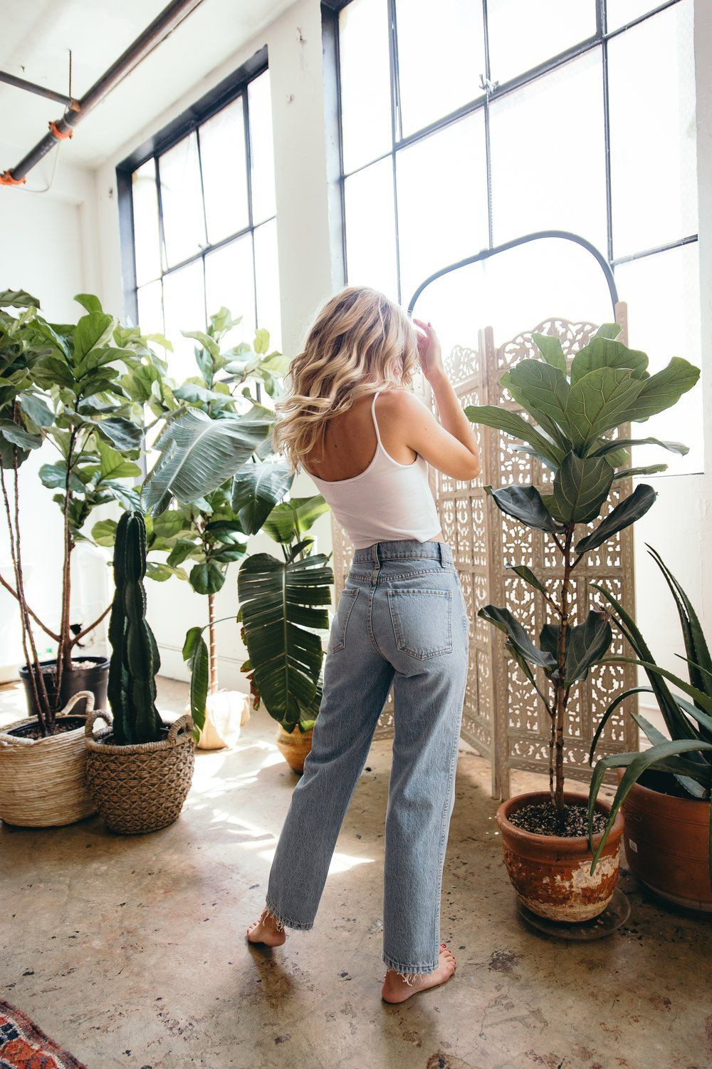 Stylish Outfits With Mom Jeans For Teen Girls – Casual Dress