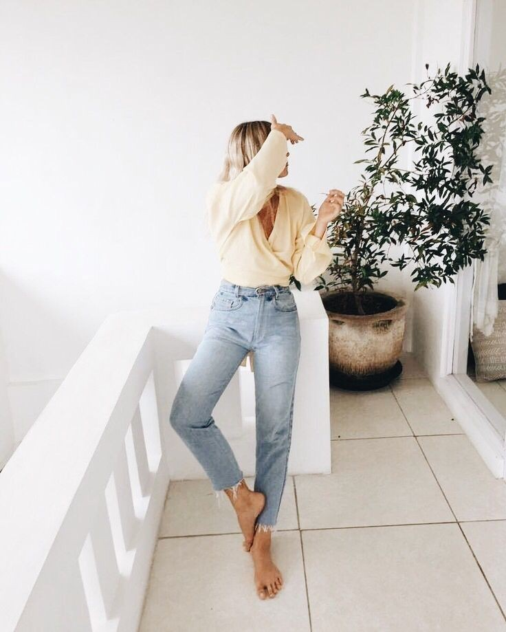 Stylish Outfits With Denims For Young Girls – Street Style