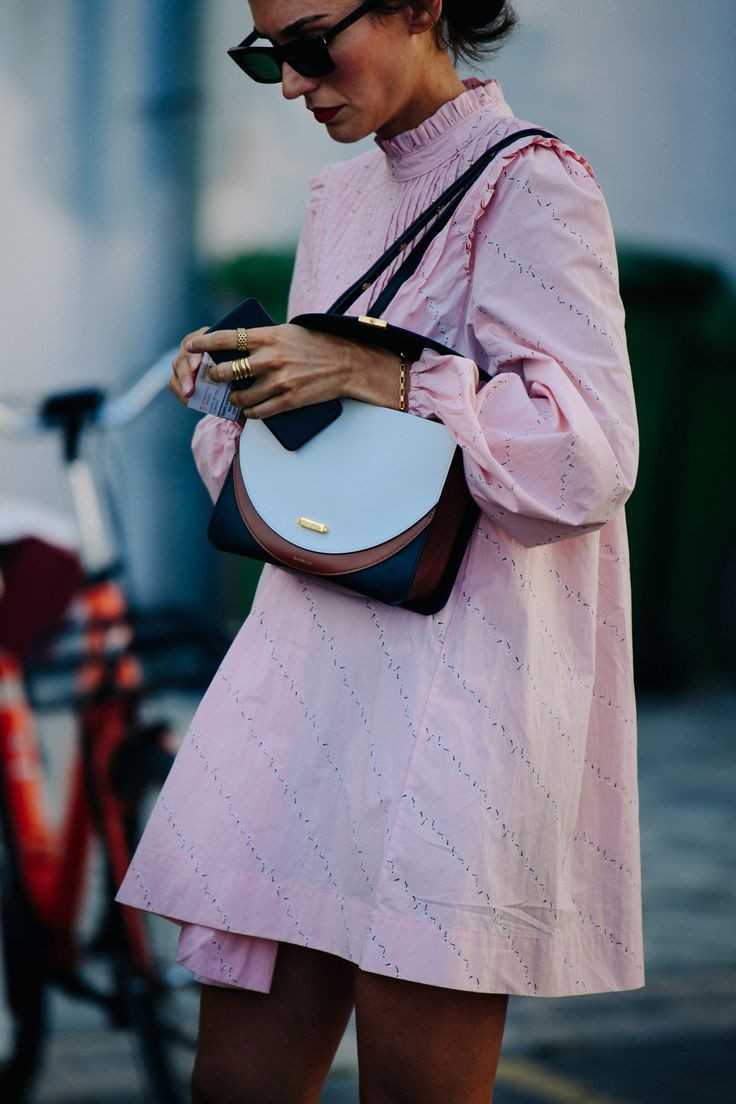 Chic Pastel Pink Dresses are Trending This Fall | Celebrity Style Outfit Inspira… –  ...