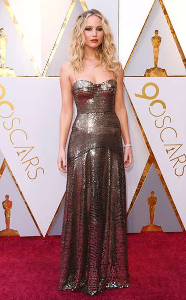 JENNIFER LAWRENCE in Dior at the 2018 Oscars, Red Carpet Dresses