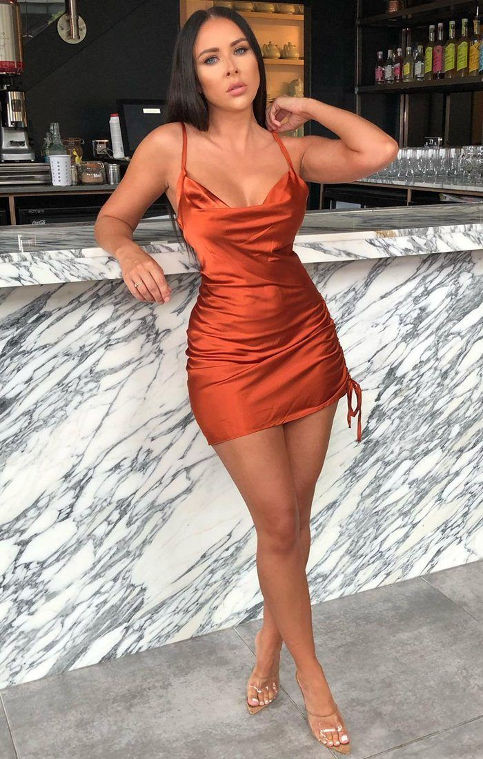 Beautiful Clothing For Romantic Dinner Date