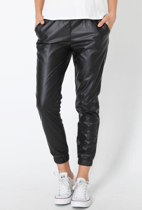 Jogger Pants Women Outfit Ideas