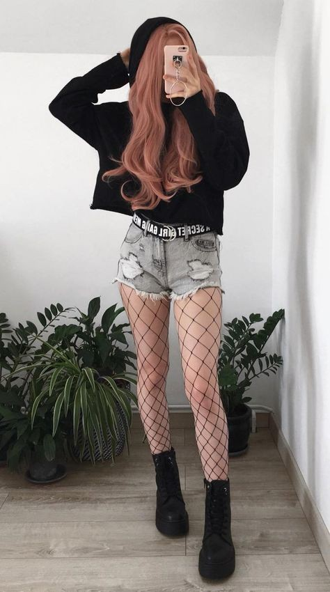 Latest Fishnet Underneath Everyday Outfits For School