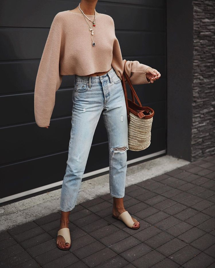 Fashionable Outfit With Mom Jeans For Teenager Girls – Street Fashion