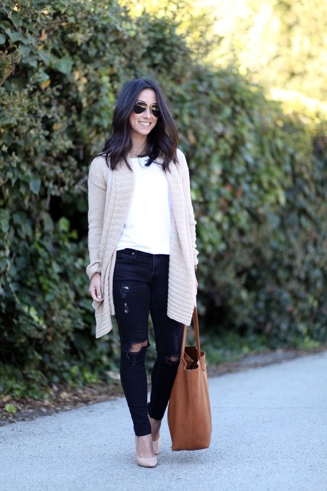Ripped jeans Outfits With Long Cardigan
