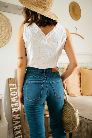 Cute Outfit With Mom Jeans For Teen Girls – Casual Clothing