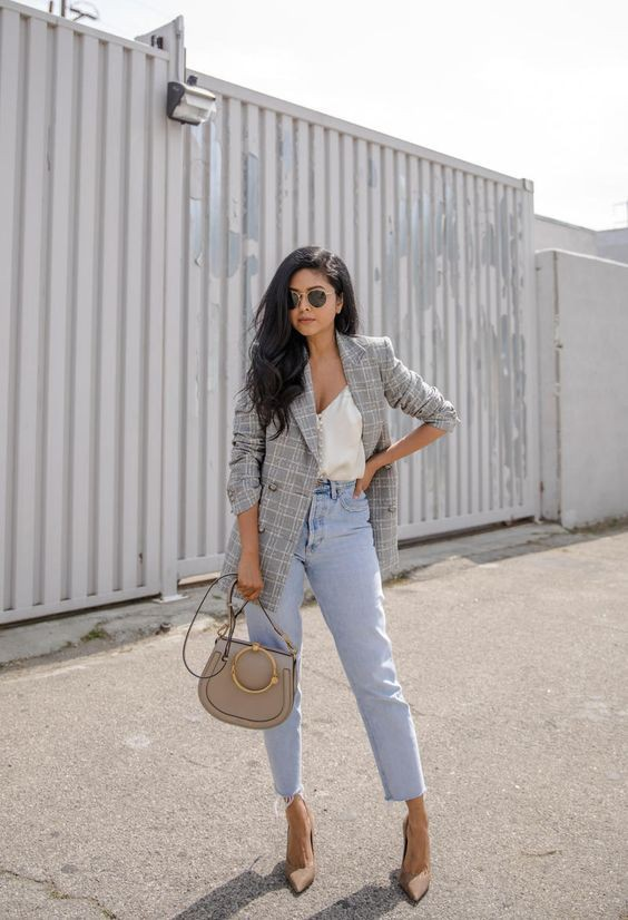 Beautiful Outfits With Mom Jeans For Young Ladies – Casual Trend