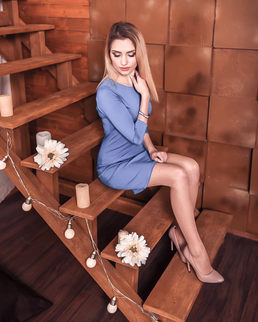 Aleksandra Glance instagram photoshoot, legs picture, Easy Long Hairstyles