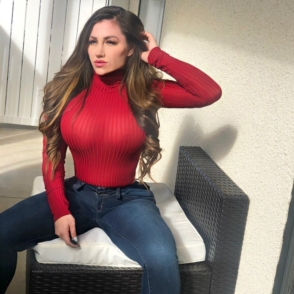 pink dress for women with jeans, fine legs, Girls Lips