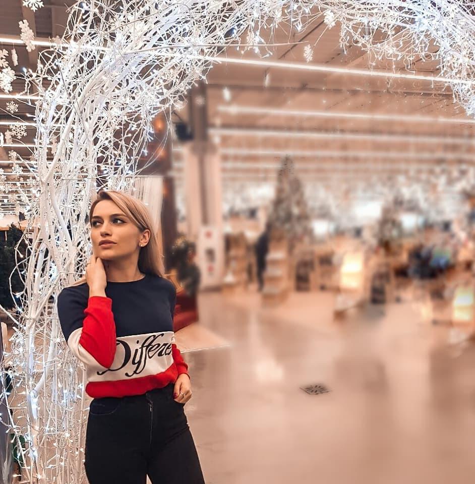 Aleksandra Glance fashion photography, outdoor fun, costumes designs