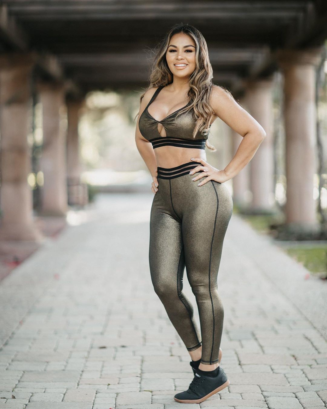 Dolly Castro lingerie colour outfit, photoshoot poses, photography ideas