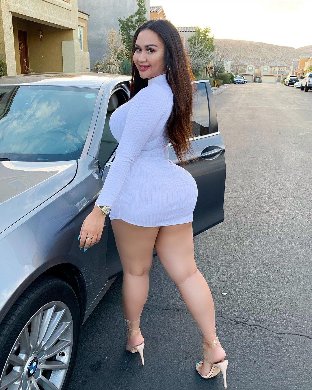 Tracy Lopez hot legs girls, legs pic, wardrobe ideas