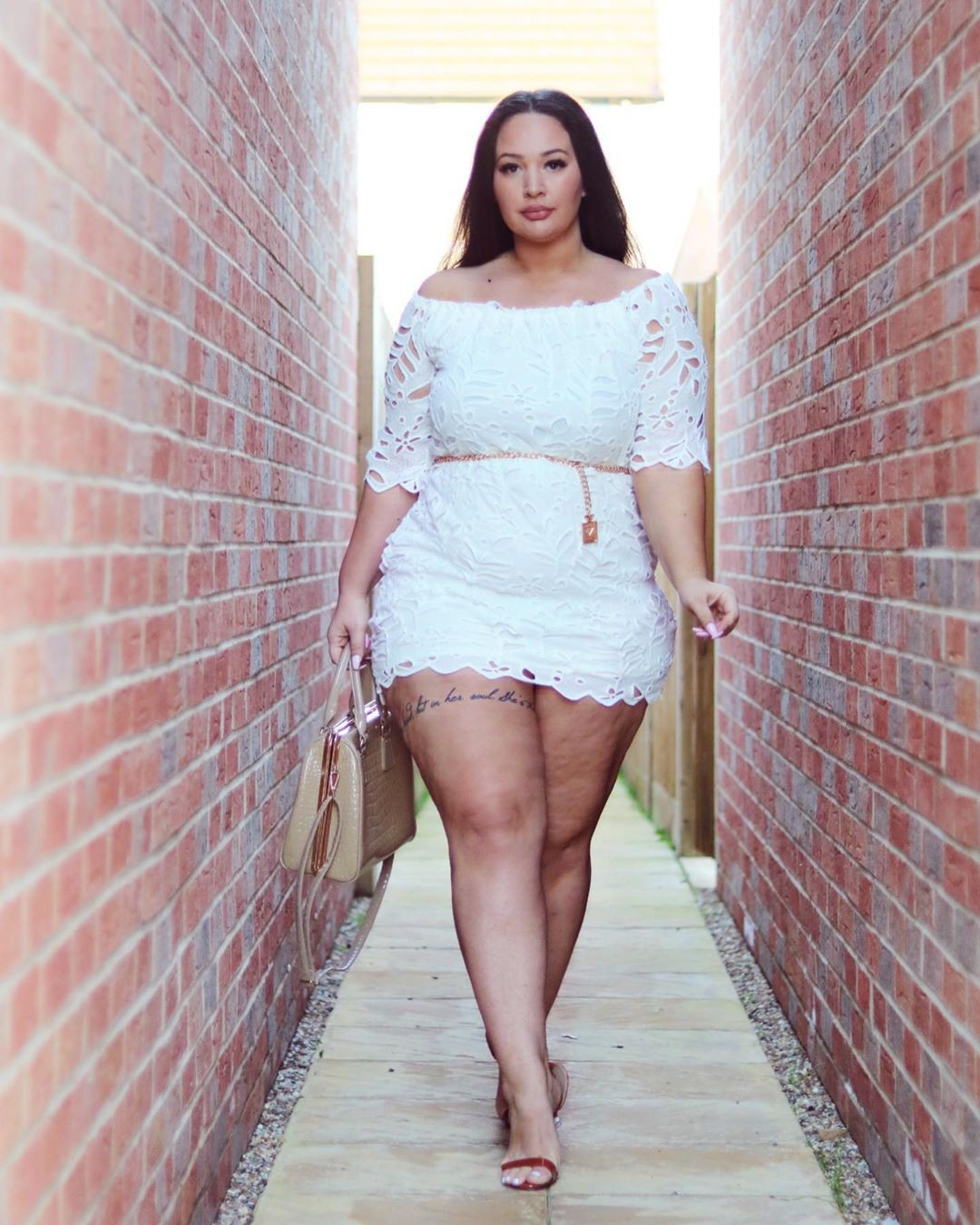 Plus Size beautiful girls pictures, hot legs, Natural Lips