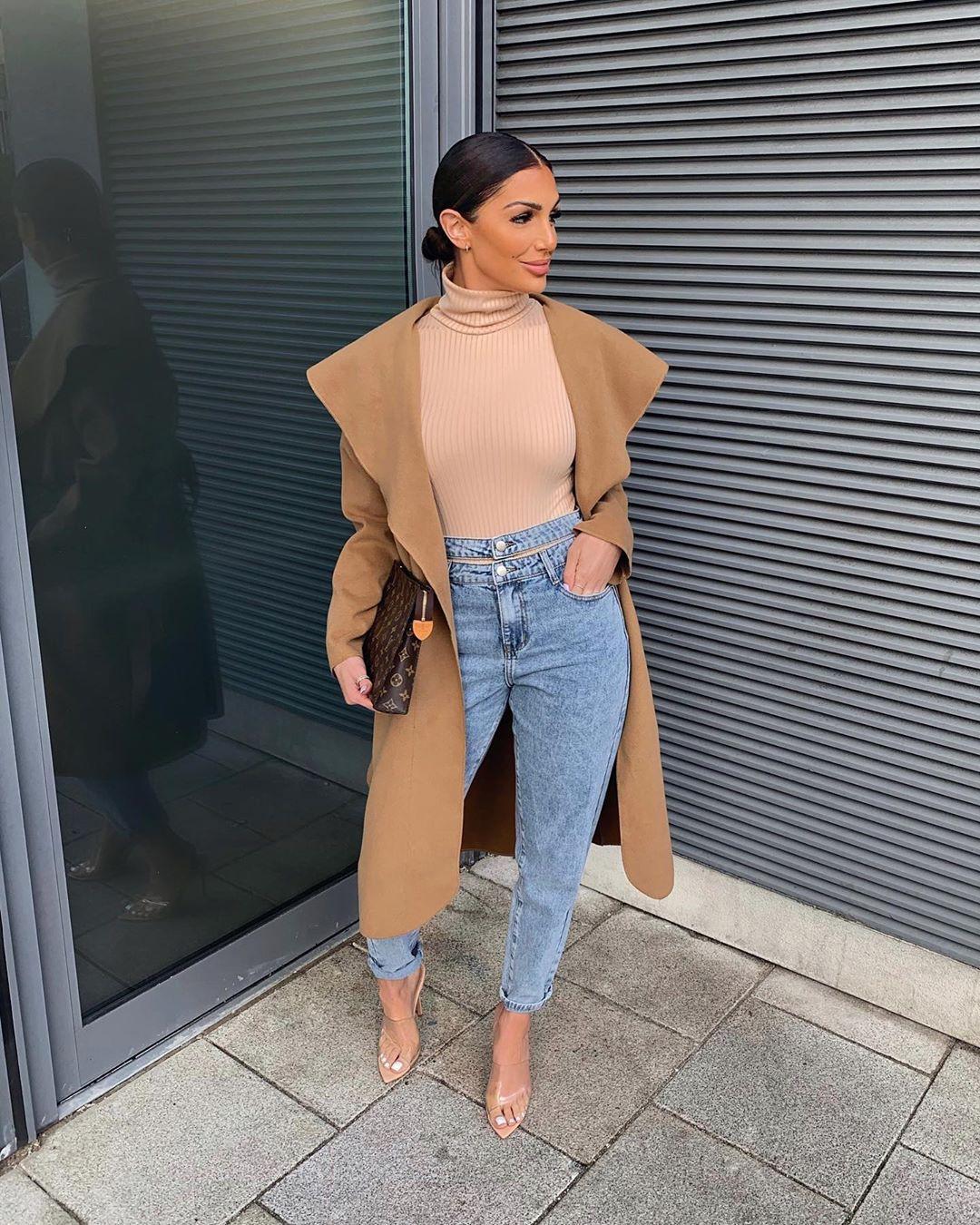 Katerina Themis ? crop top, denim, jeans outfit pinterest
