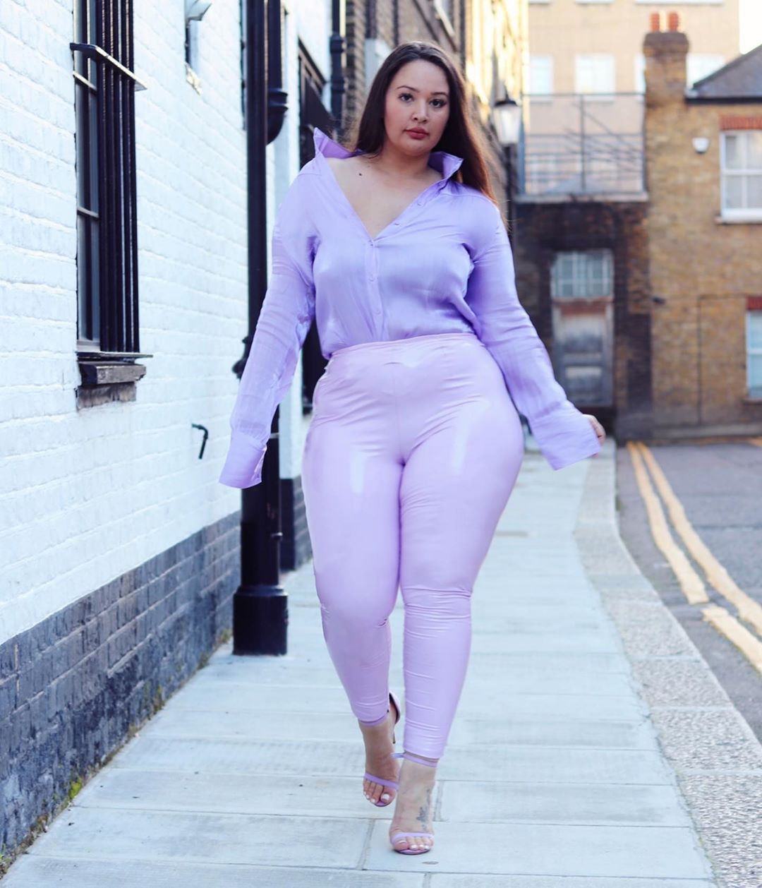 Plus Size legs pic, clothing ideas, lavender