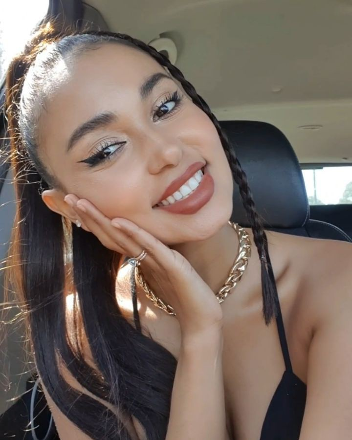 Marona Tanner Natural Black Hair, Face Makeup, Natural Glossy Lips