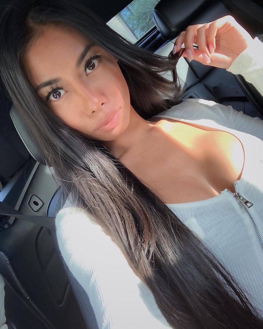 R A V A D E E   S I M Cute Black Hairstyles, Beautiful Girl Cute Face, Lips Smile
