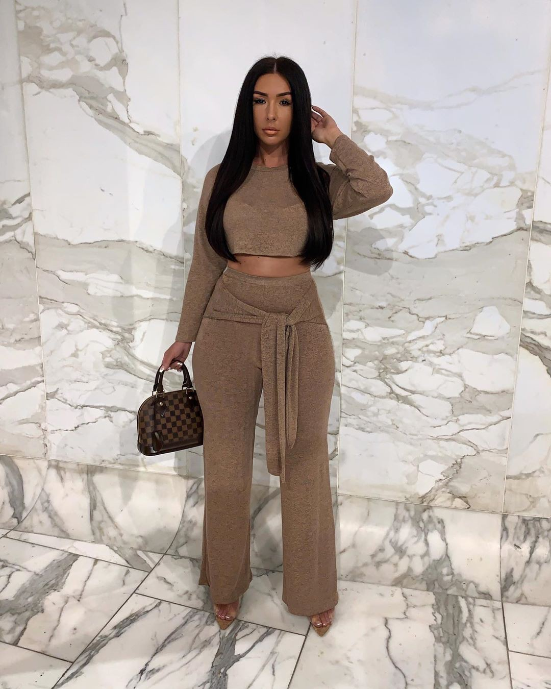 Khaki and brown crop top, best photoshoot ideas, Hairstyles For Long Hair