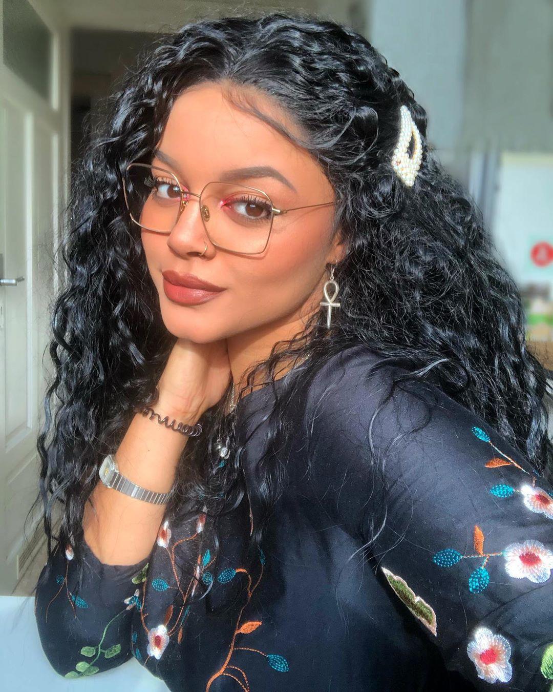 Sina Iuna Black Hair Color, Lips Smile, Long Natural Hair