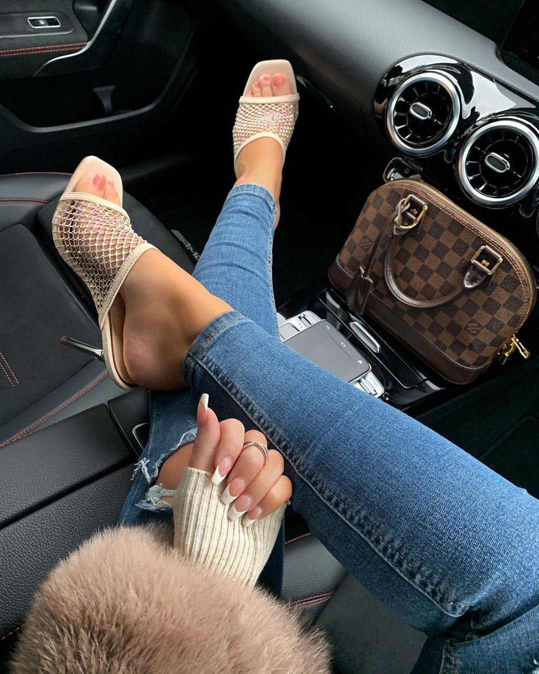 Ruby Fairs Instagram legs picture, steering wheel, steering part