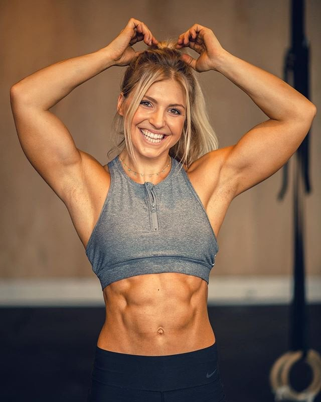 Beautiful Claire Thomas With Abs, Fit Girl