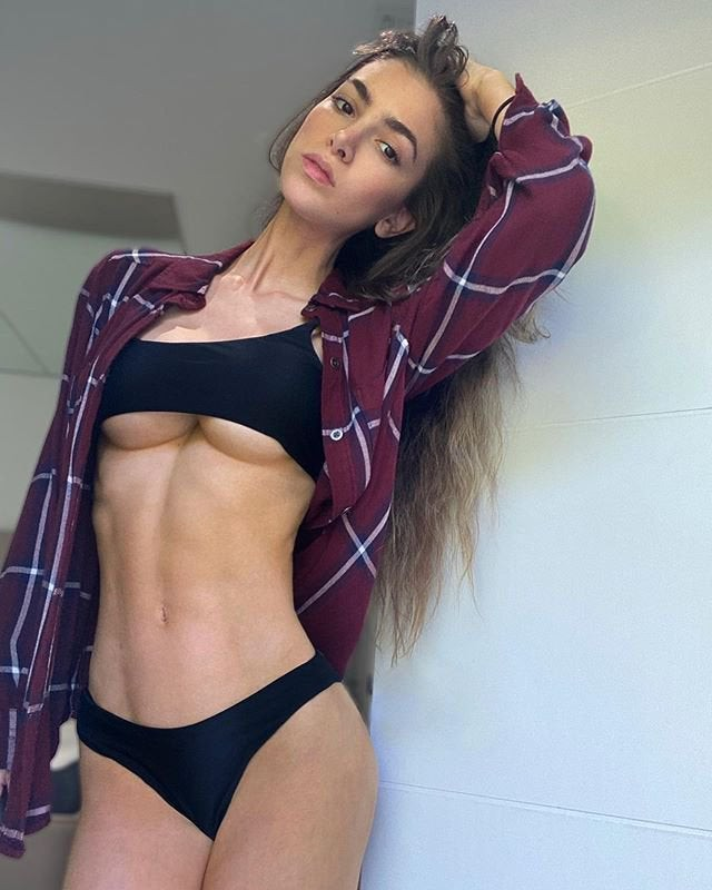 Lovely Anllela Sagra Abs Pictures, Gym Model