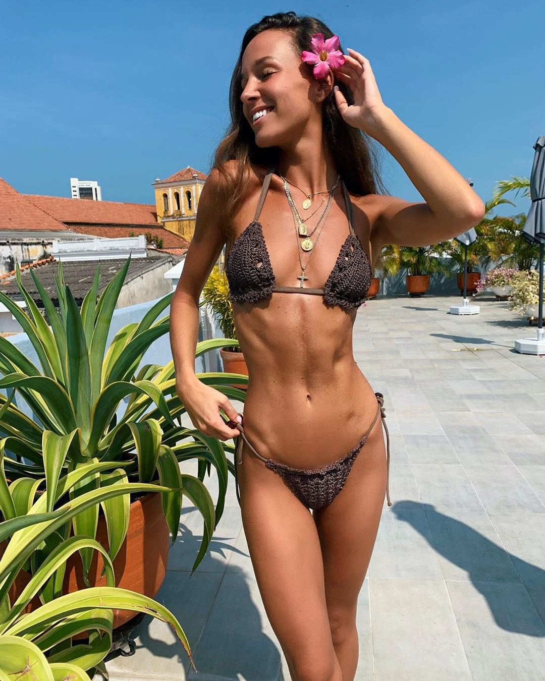 Sexy Carlota Ensenat waiting to get leid With 6 Pack Abs