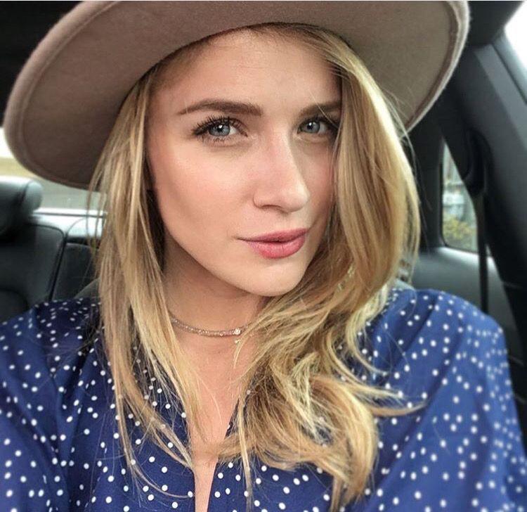 Shantel VanSanten blond hairstyle, Cute Face, Perfect Lips