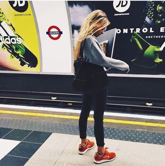 Outfit instagram with sportswear, jacket, jeans