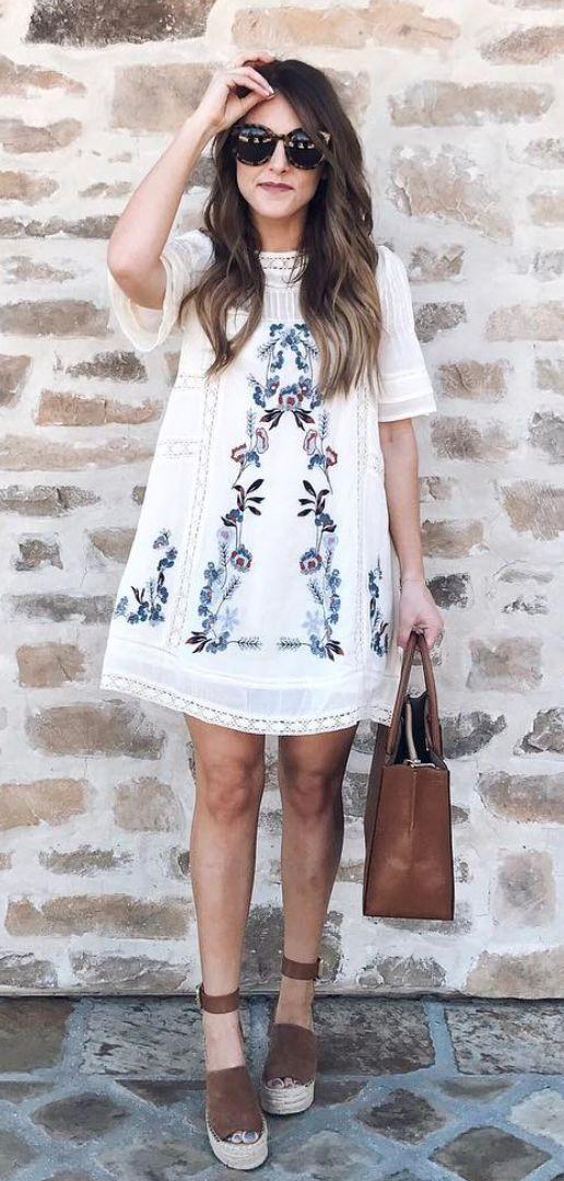 White and blue colour outfit ideas 2020 with boho dress, maxi dress shoe