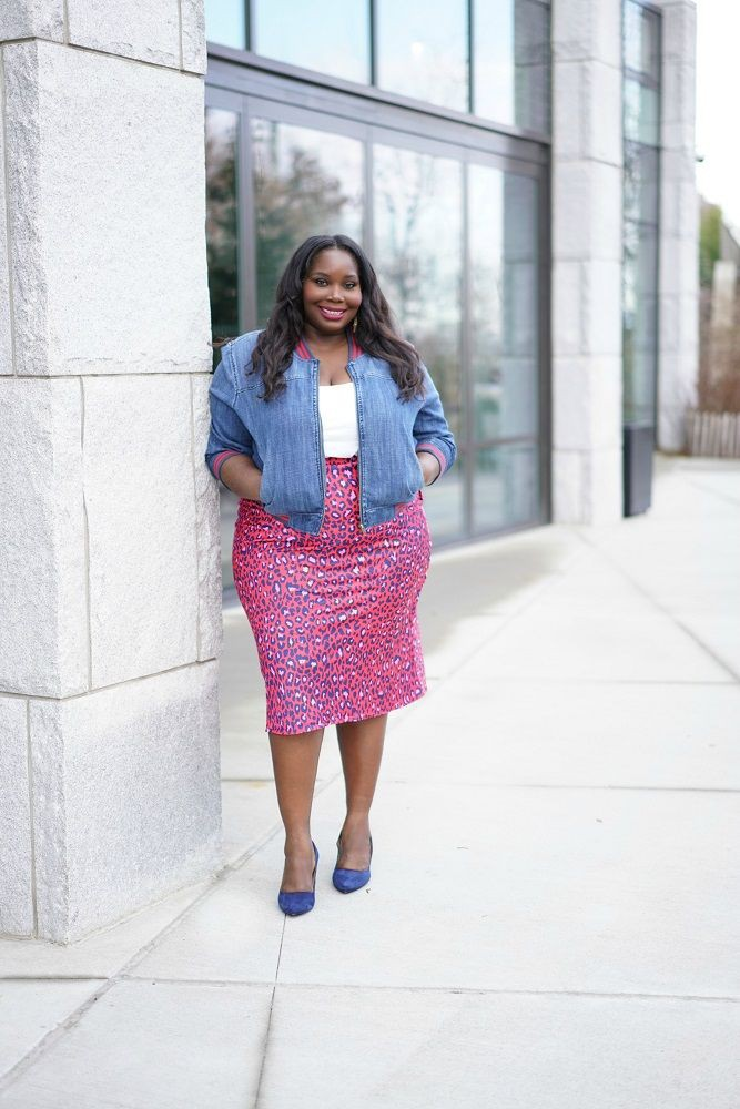 White and blue outfit Pinterest with polka dot, skirt, jeans