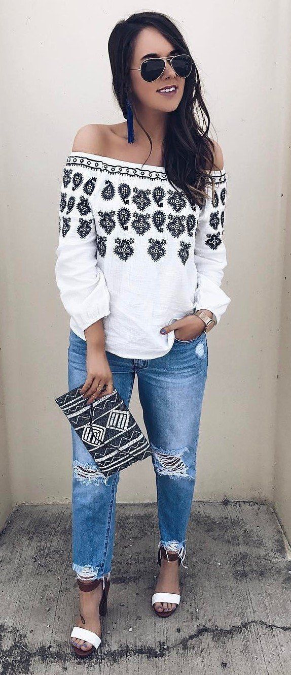 White beautiful clothing ideas with mom jeans, leggings, denim