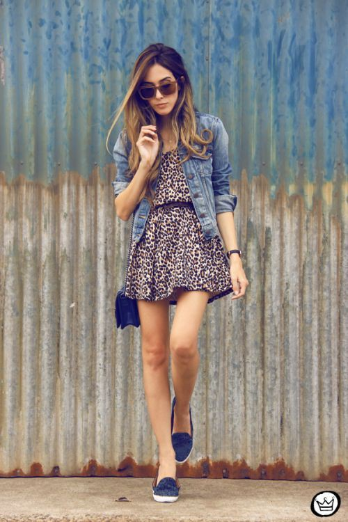 Outfit tarde de verano, street fashion, electric blue, jean jacket, casual wear