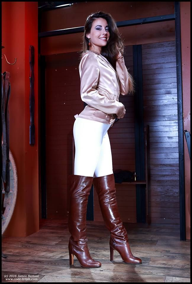 Colour outfit code fetish, high heeled shoe, thigh high boots, knee high boot