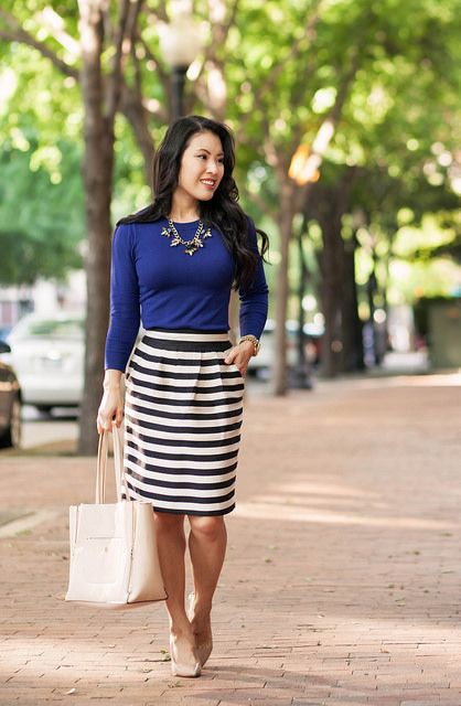 Striped skirt outfit ideas, street fashion, stripe skirt, pencil skirt, cobalt blue, t shirt